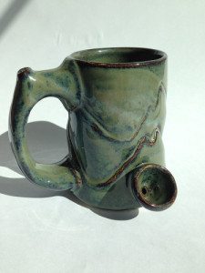 MOUNTAIN-MODEL-PIPE-MUG-375x500
